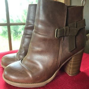 Shoes - Leather booties with chunky heel
